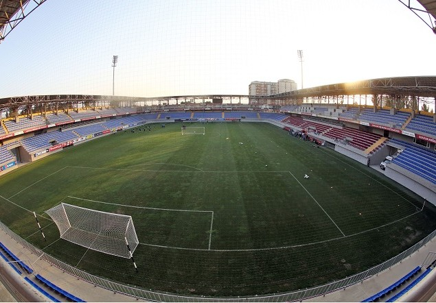 Σε τραγική κατάσταση το γήπεδο στο Μπακού