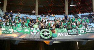 """Πανό με """"καρφιά"""" από τους οπαδούς του ΠΑΟ στο Βίγκο [pic]"""