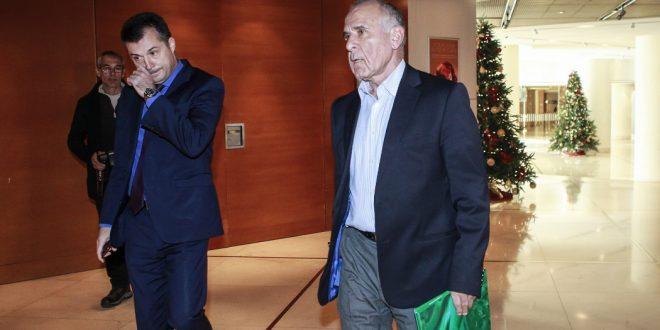 Κωνσταντίνου: «Από λάθος συνεννόηση δεν κλήθηκαν Σεϊταρίδης και Μπασινάς»