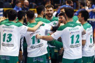 Ανατριχίλα: Παίκτες και κόσμος τραγουδούν τον ύμνο μετά τη νίκη στο Αιγίνιο (vid)
