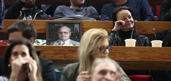 Δίπλα στον πατέρα της, Θανάση, η Κατερίνα - Δάκρυσε πολλές φορές! (pic)
