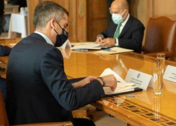 Ενημέρωση από Μπακογιάννη στο Δημοτικό Συμβούλιο για τη Διπλή Ανάπλαση