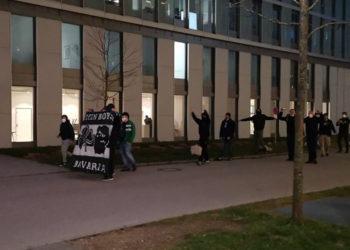 «Ντόπες» οπαδών έξω από το ξενοδοχείο στο Μόναχο (vids)