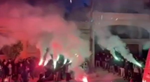 Οπαδοί στη Λαυρίου, απέτισαν φόρο τιμής στη μνήμη του Φιλόπουλου (video)