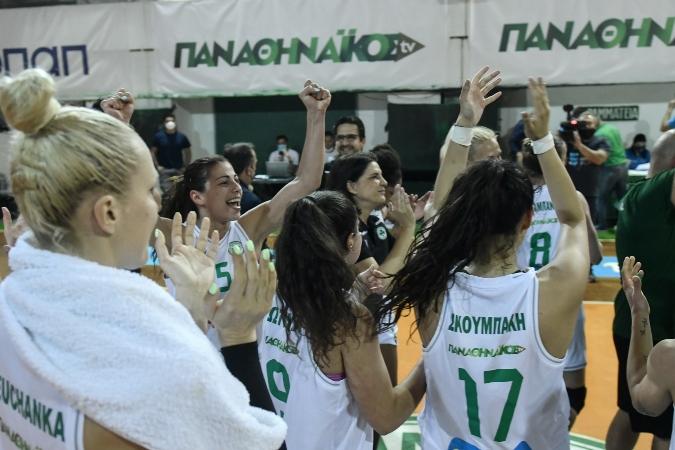 Ζήτησαν το πρωτάθλημα οι οπαδοί - Αποθεώθηκαν οι «πράσινες»!