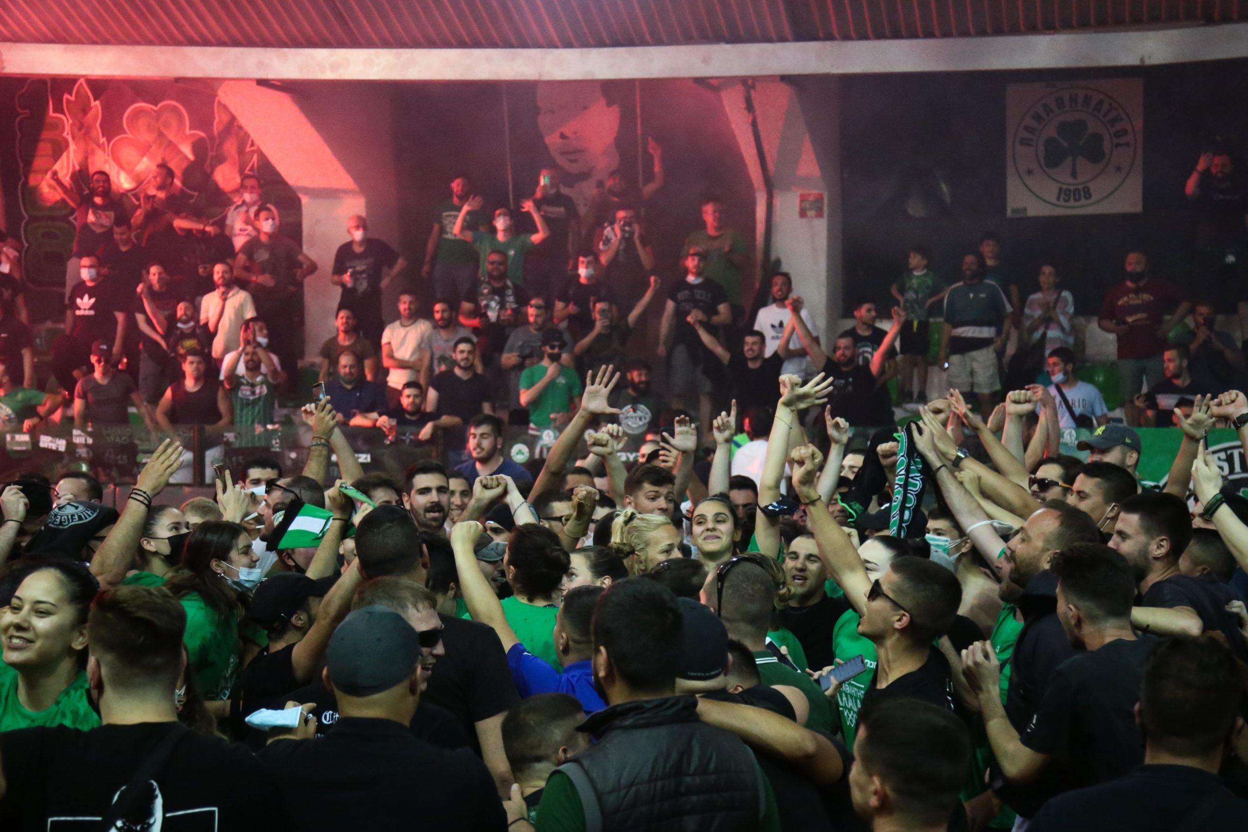 Ντελίριο στη Λεωφόρο, πάρτι τίτλου στο «Παύλος Γιαννακόπουλος» (εικόνες)