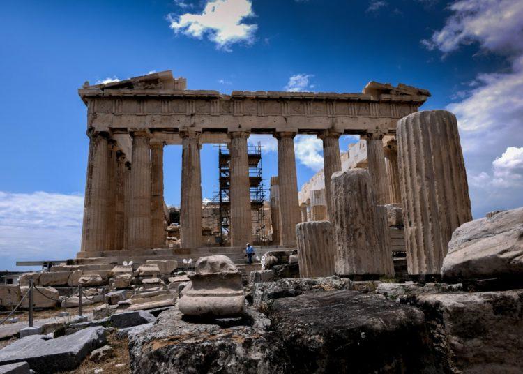 «Ντου» οπαδών του Ολυμπιακού στην Ακρόπολη! Απαιτούσαν να σηκώσουν πανό