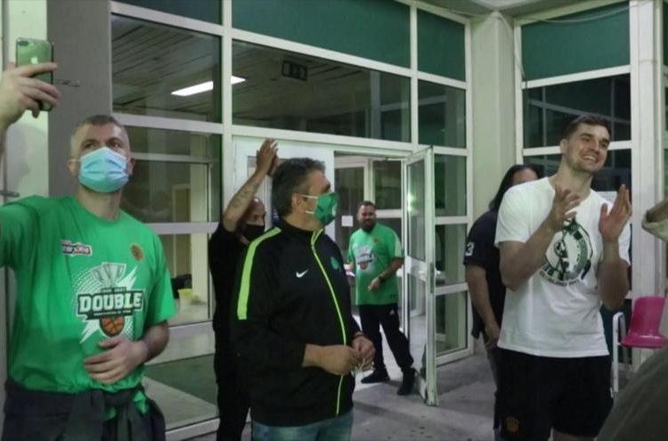 Παναθηναϊκός: Αποθέωση στο ΟΑΚΑ - Τα συνθήματα για Παύλο Γιαννακόπουλο και Χεζόνια
