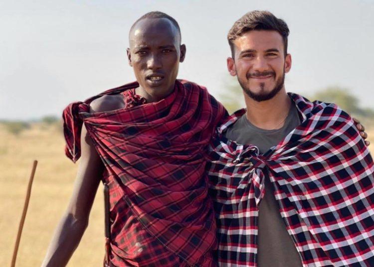 Βιγιαφάνιες: Στην Αφρική θα πάει... με τους Μασάι! (pic)