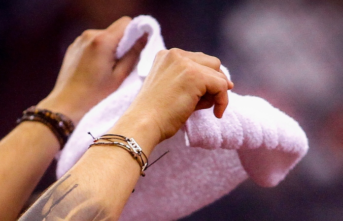 Οι «γαύροι» γράφουν για «λευκή πετσέτα» Παναθηναϊκού, λόγω... Χεζόνια! (pic)