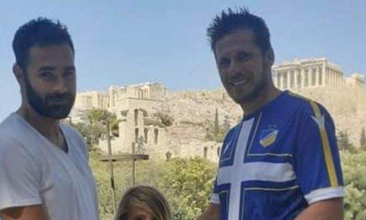 Κύπριος φίλαθλος του Παναθηναϊκού παρέδωσε το πόσο των 4.000 ευρώ στον Ιακωβίδη!