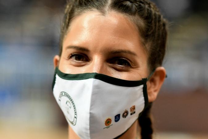 Όμορφες παρουσίες στο ΟΑΚΑ με μάσκα «Παύλος Γιαννακόπουλος»! (pics)