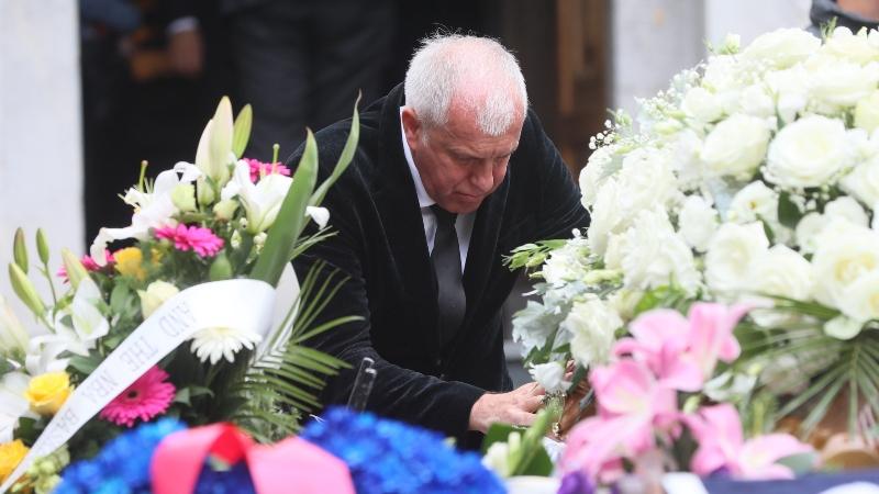 «Έσπασε» ο Ομπράντοβιτς στο «αντίο» του Ίβκοβιτς - Η λυπητερή φωτογραφία! (pic)