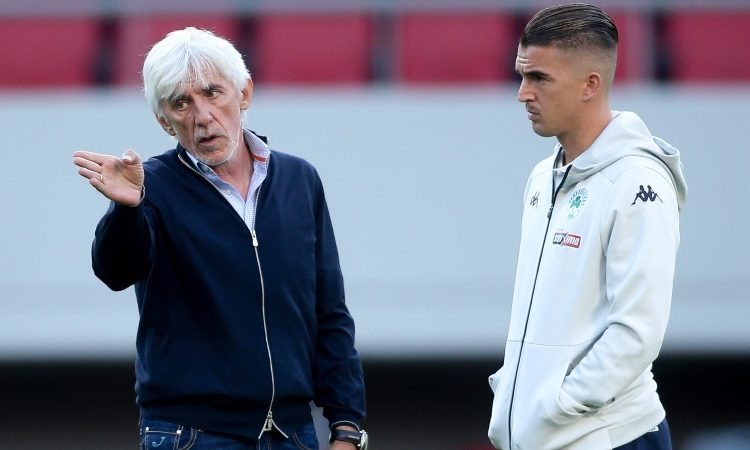 Ο Γιοβάνοβιτς θέλει τη νίκη στο Φάληρο - Έδειξε τον τρόπο στον Καρλίτος!